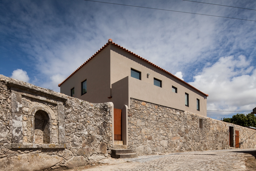 <b>Casa JVA</b> Viana do Castelo, Portugal | 2012 | 335 m2