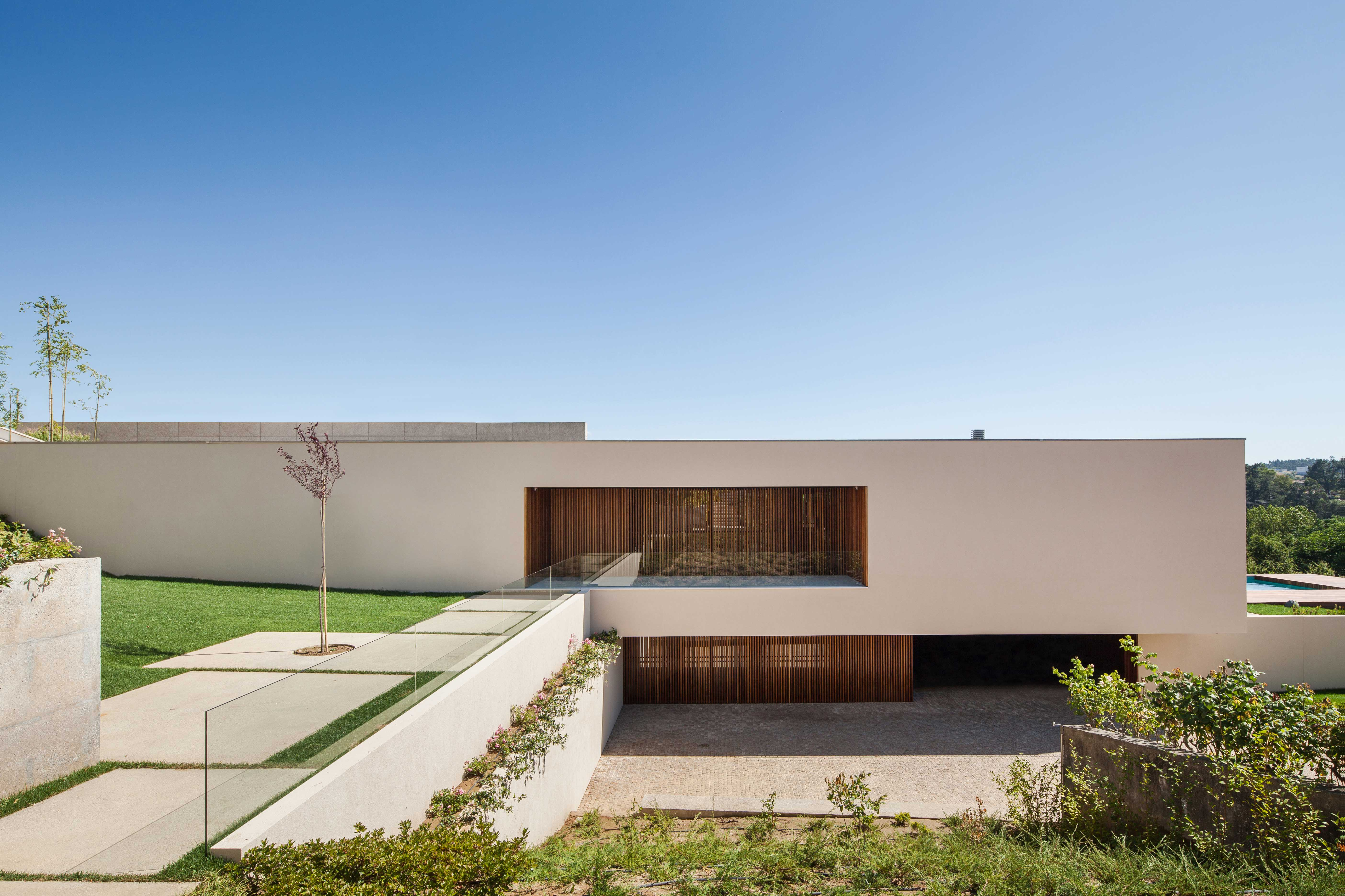 <b>Casa MG</b> Braga, Portugal | 2005 | 540.00 m2